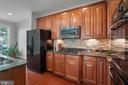Ample storage cabinets - double oven - 42461 TOURMALINE LN, BRAMBLETON