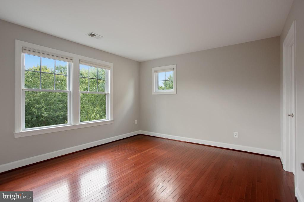Bedroom 3 - View 2 - 42461 TOURMALINE LN, BRAMBLETON