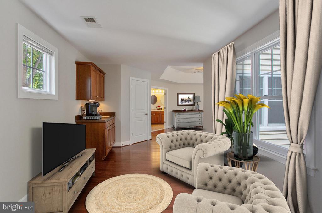 Master bedroom sitting rm - 42461 TOURMALINE LN, BRAMBLETON