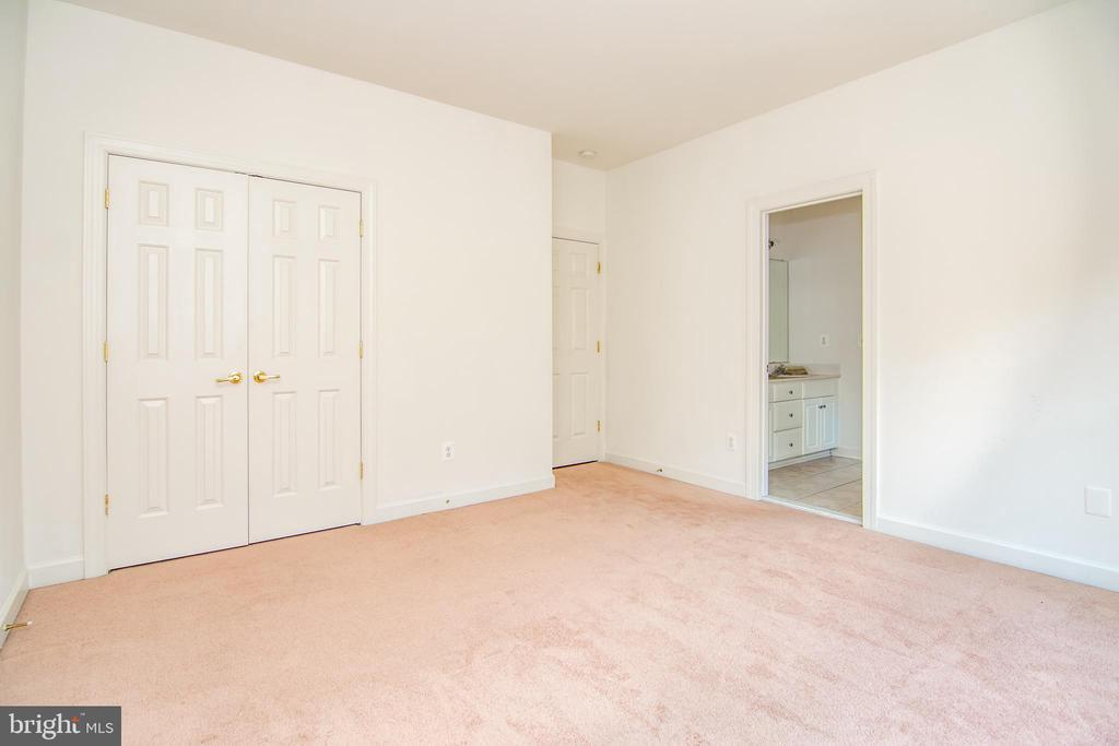 All bedrooms have large closets. - 2374 JAWED PL, VIENNA