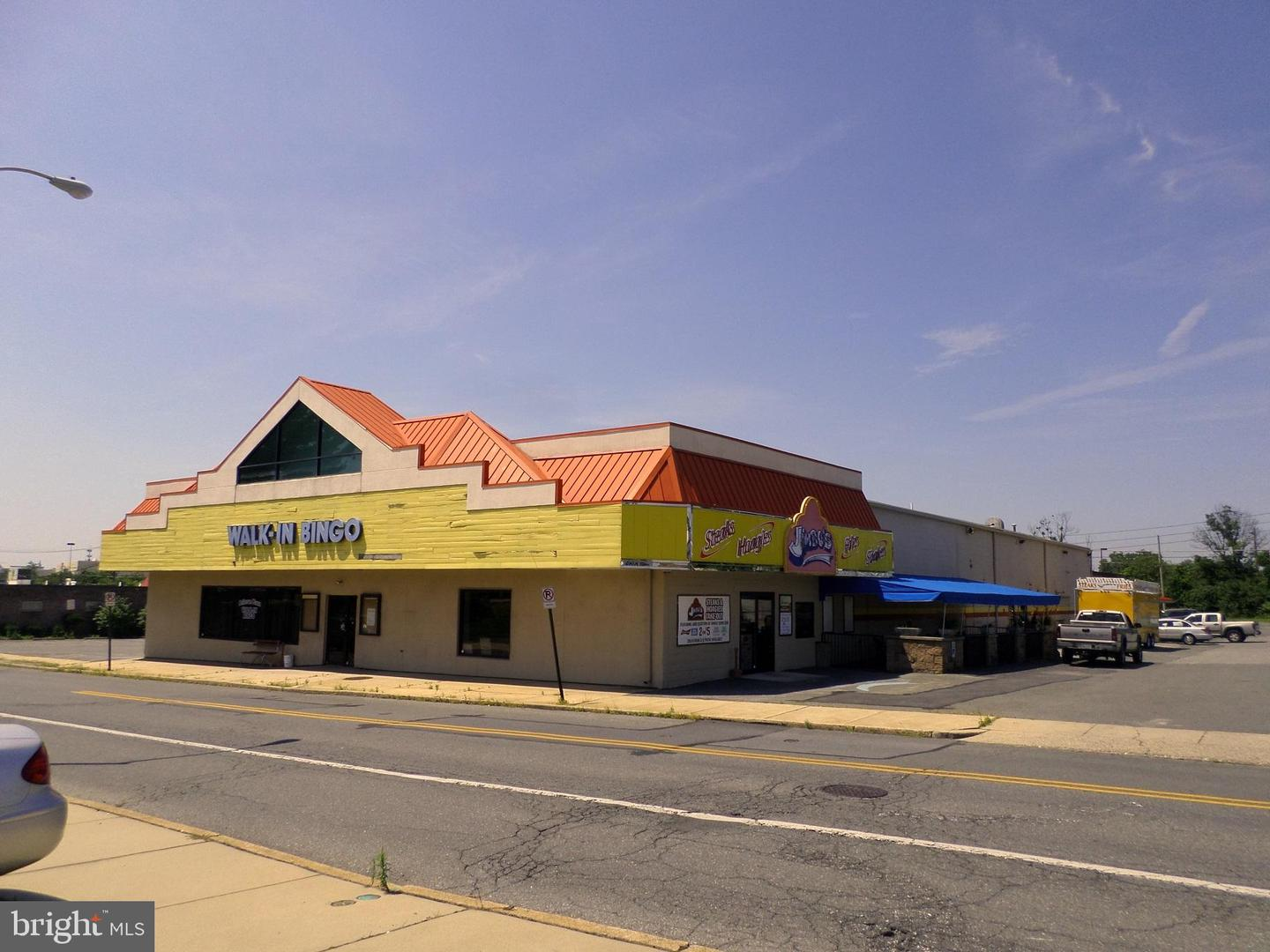 Retail for Sale at Reading, Pennsylvania 19605 United States