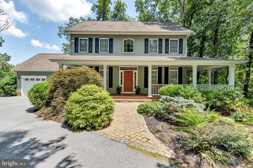136 STONEGATE CT