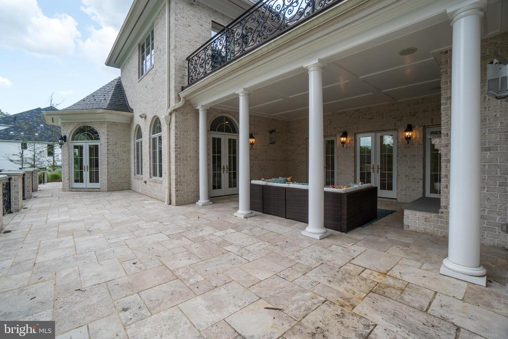 Loggia off the kitchen and main level foyer - 10120 COUNSELMAN RD, POTOMAC
