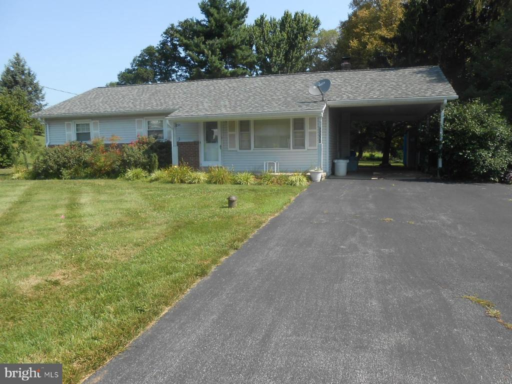 3 bedroom 1 1/2 bath rancher in the country - 11228 ANGLEBERGER RD, THURMONT