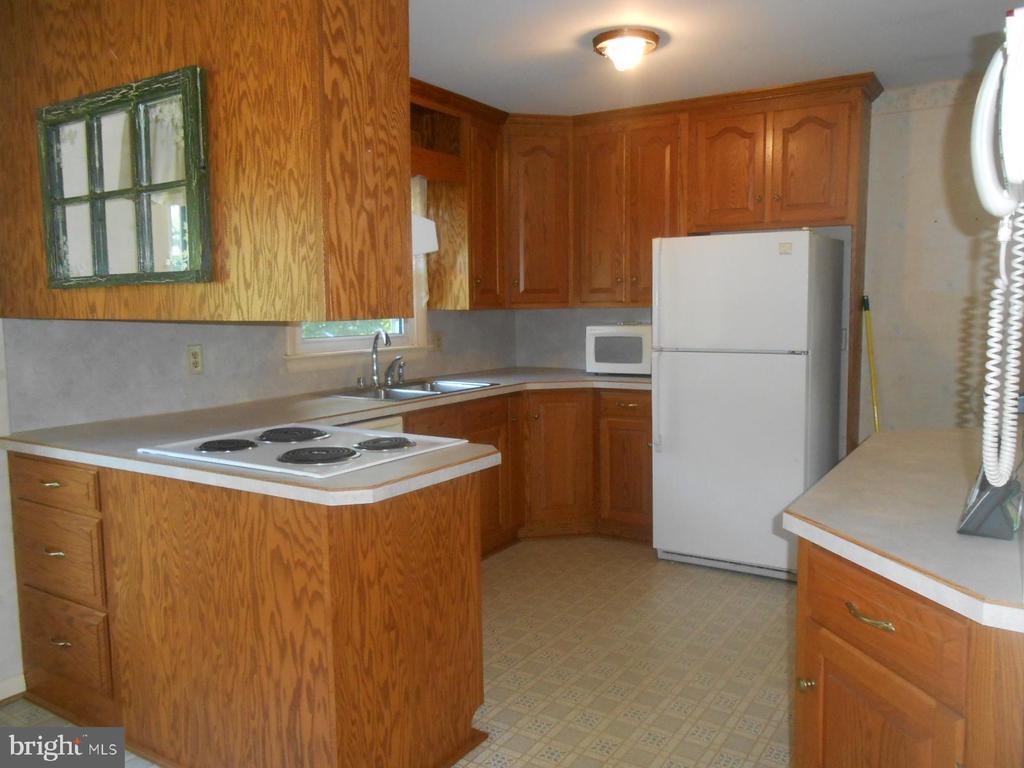 kitchen - - 11228 ANGLEBERGER RD, THURMONT