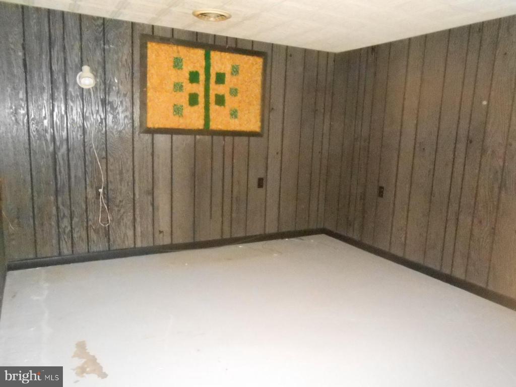 game room - office - in basement - 11228 ANGLEBERGER RD, THURMONT