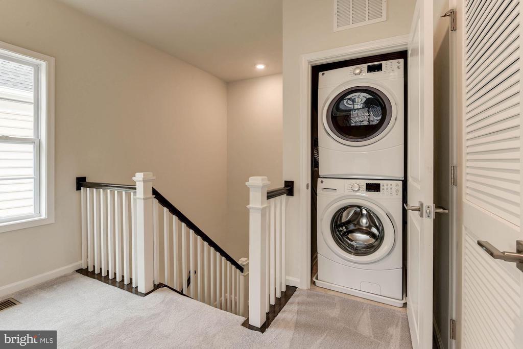 Melbourne  Laundry Upper Floor - 43021 GREGGSVILLE CHAPEL TER #113, ASHBURN
