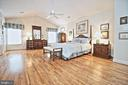 Master Bedroom with Vaulted Ceilings - 10121 COMMUNITY LN, FAIRFAX STATION