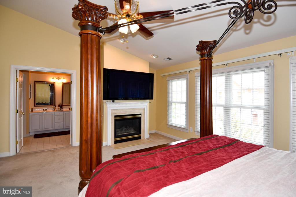 Fireplace in master retreat! - 1850 BRENTHILL WAY, VIENNA