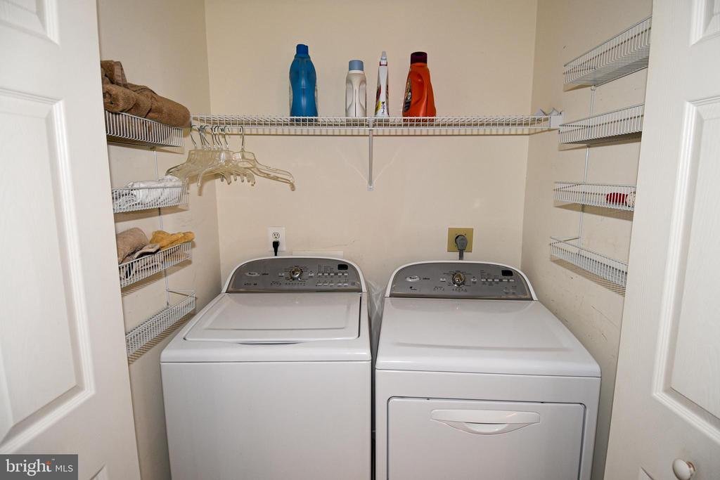 Convenient laundry on the upper level. - 1850 BRENTHILL WAY, VIENNA