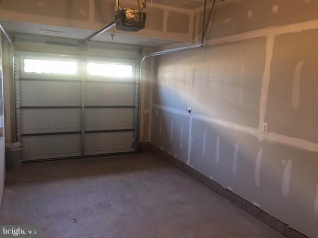 Garage - 20754 WOOD QUAY DR, STERLING