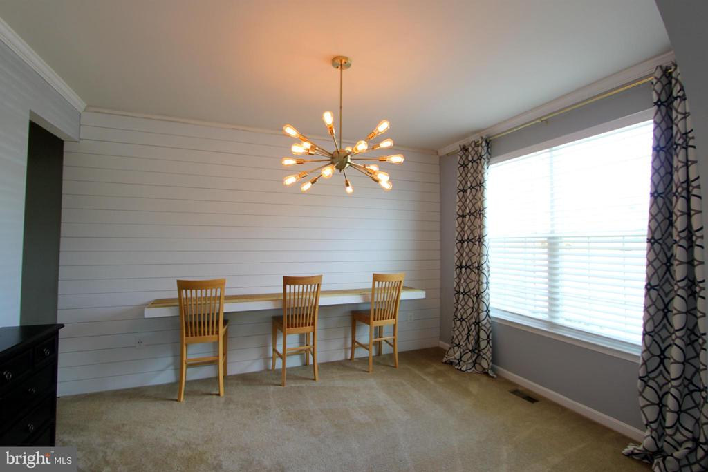 Dining Room being used as a kids homework nook - 16901 EVENING STAR DR, ROUND HILL