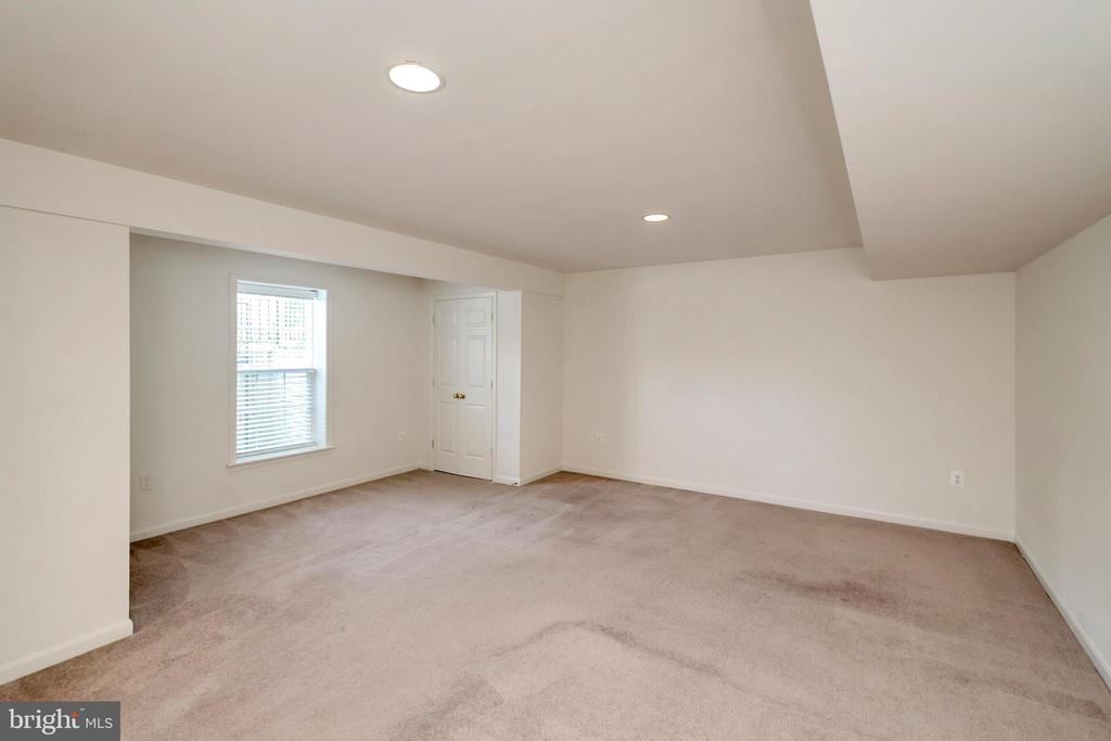 Basement bedroom - 31 GALLERY RD, STAFFORD
