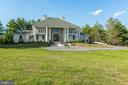 Expansive yard for multiple uses - 39926 NEW RD, ALDIE
