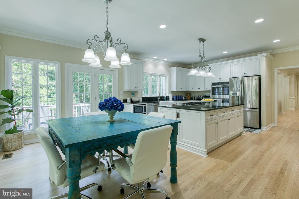Eat in kitchen with french doors to deck - 27 MERIDAN LN, STAFFORD