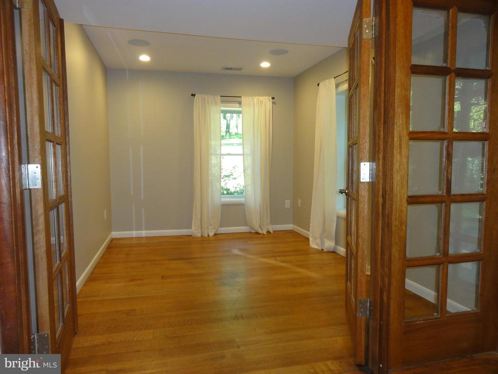 Study on main level - 38699 OLD WHEATLAND RD, WATERFORD
