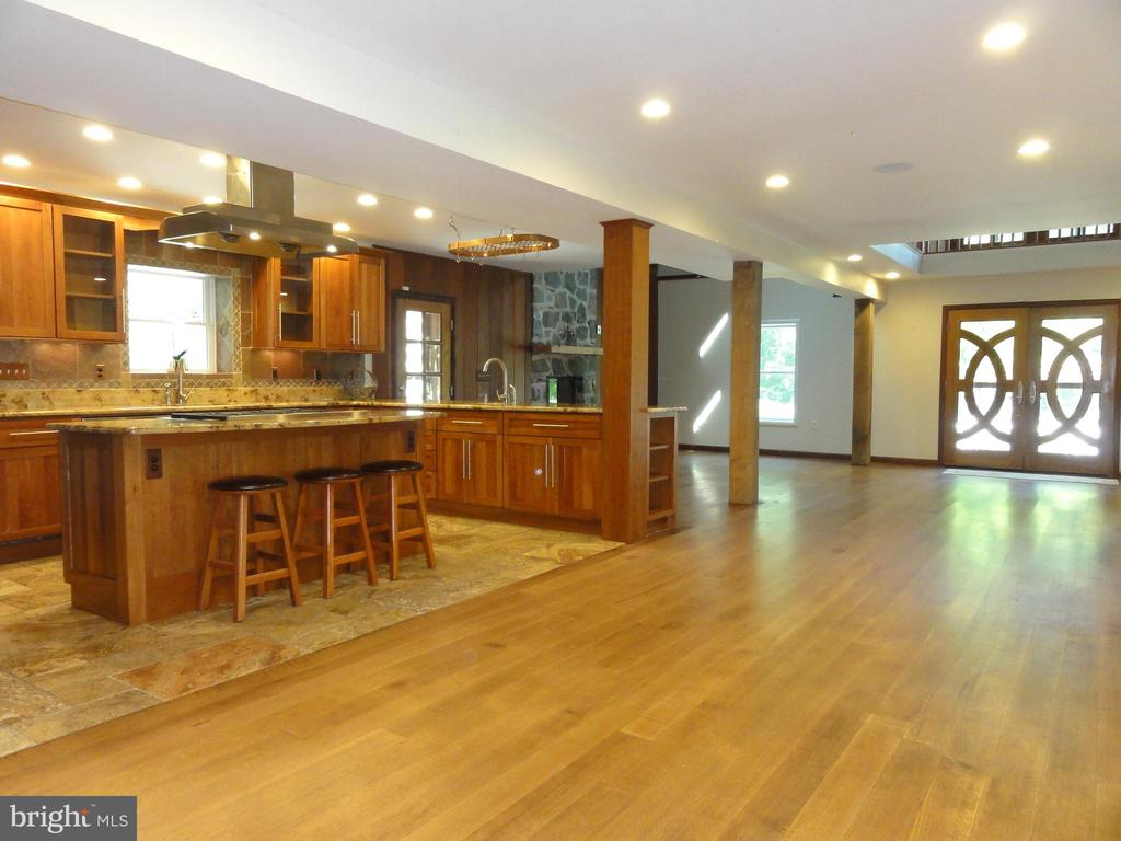 Open main level - 38699 OLD WHEATLAND RD, WATERFORD