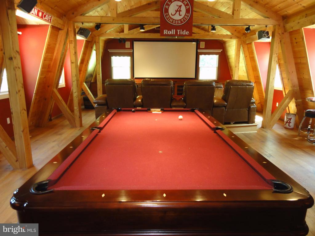 Game/Theather room - 38699 OLD WHEATLAND RD, WATERFORD