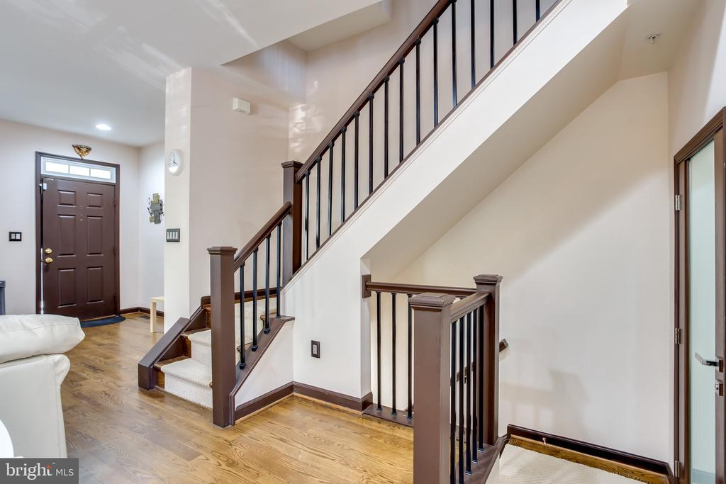 Staircase to an upper and lower level - 8861 ASHGROVE HOUSE LN, VIENNA