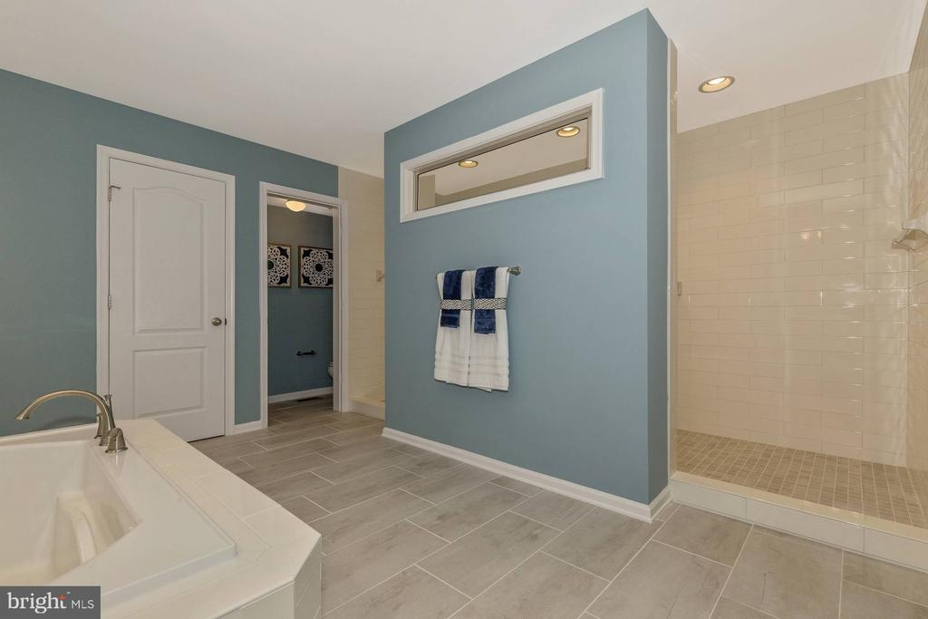 Optional Deluxe Owners Suite Bathroom - 523 ISAAC RUSSELL, NEW MARKET