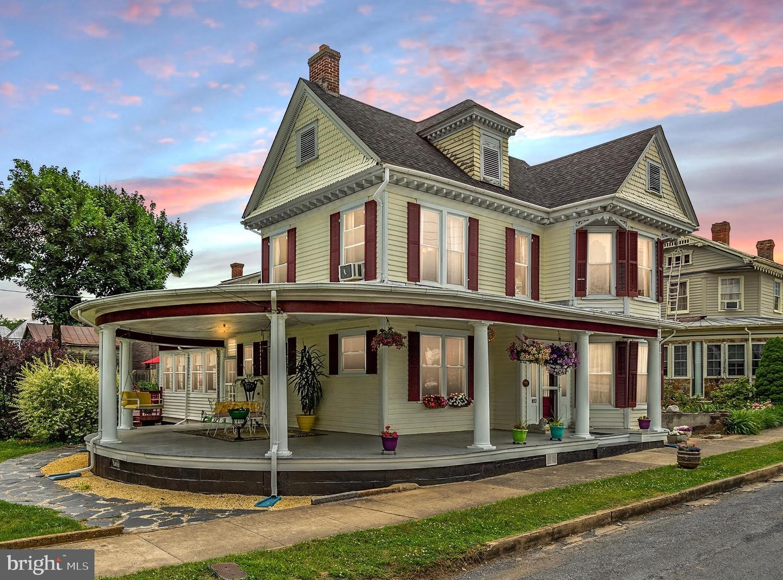 Single Family Homes for Sale at Edinburg, Virginia 22824 United States