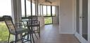 Spacious Sun Room, wraps from Living to Bedroom - 1001 N VERMONT ST #902, ARLINGTON