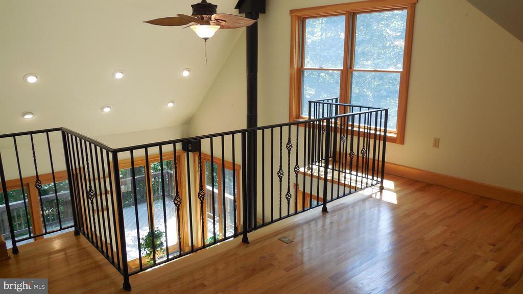 Loft     Must see to appreciate. - 8575 COBB RD, MANASSAS