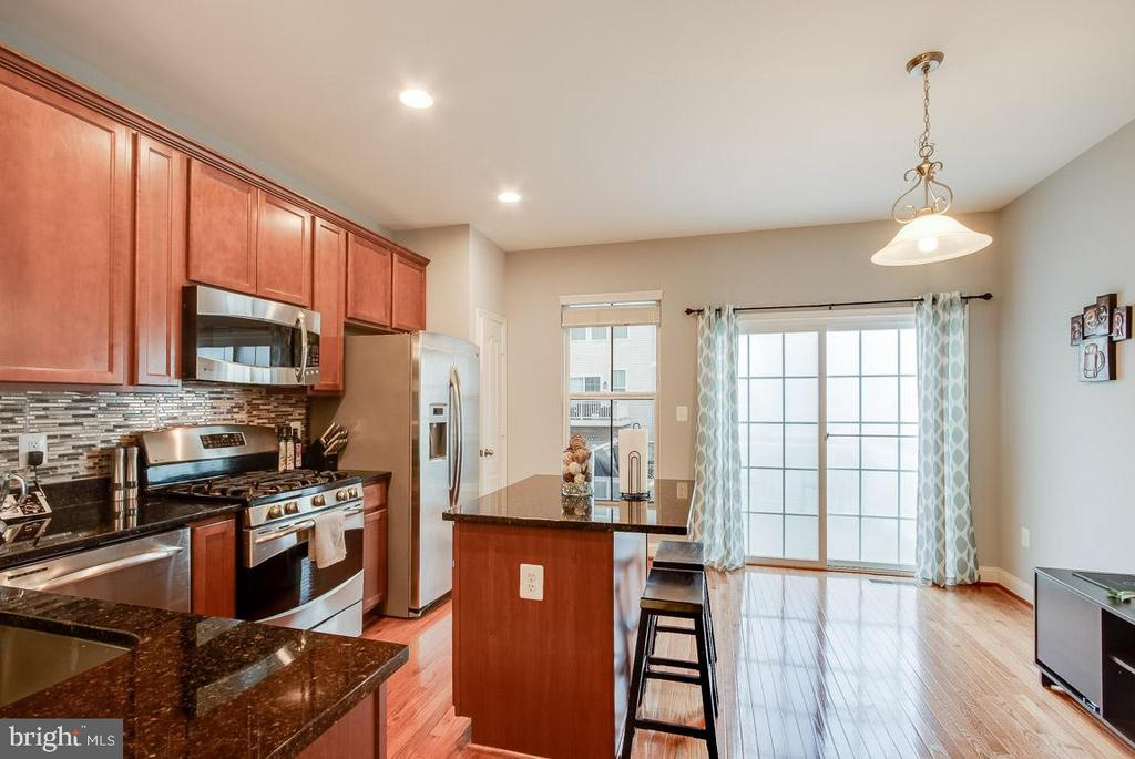 Beautiful Hardwood Floors on Main Level - 4306 POTOMAC HIGHLANDS CIR #41, TRIANGLE