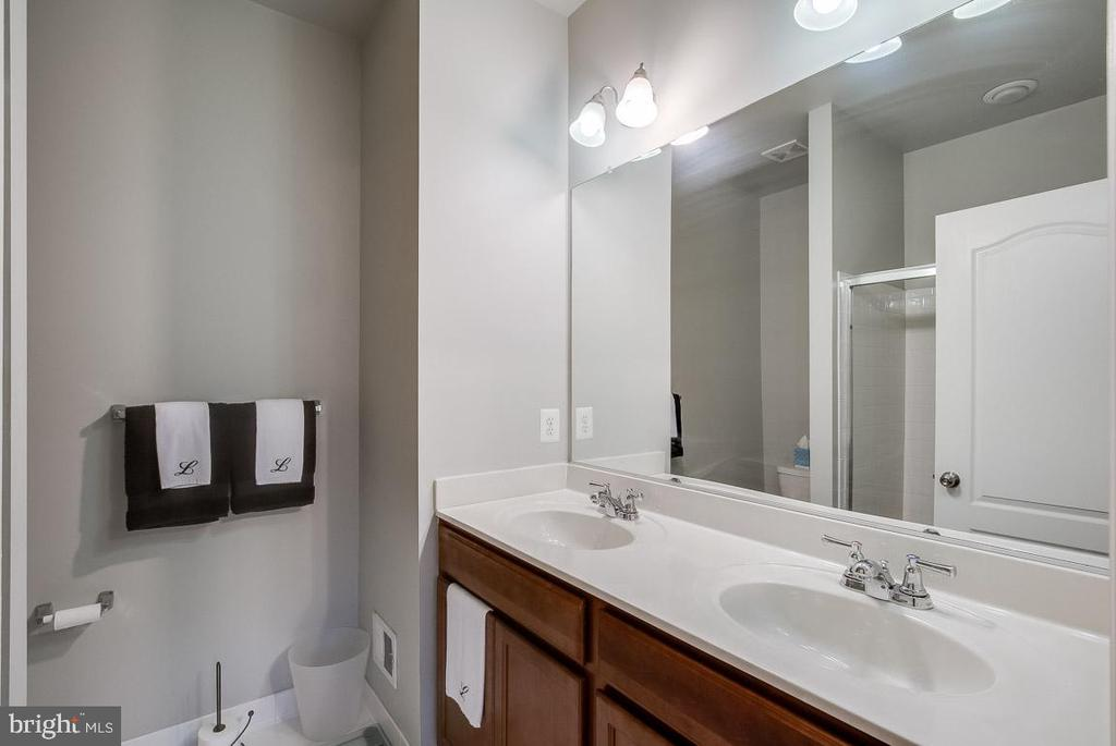 Owner's Bath with Double Vanities - 4306 POTOMAC HIGHLANDS CIR #41, TRIANGLE