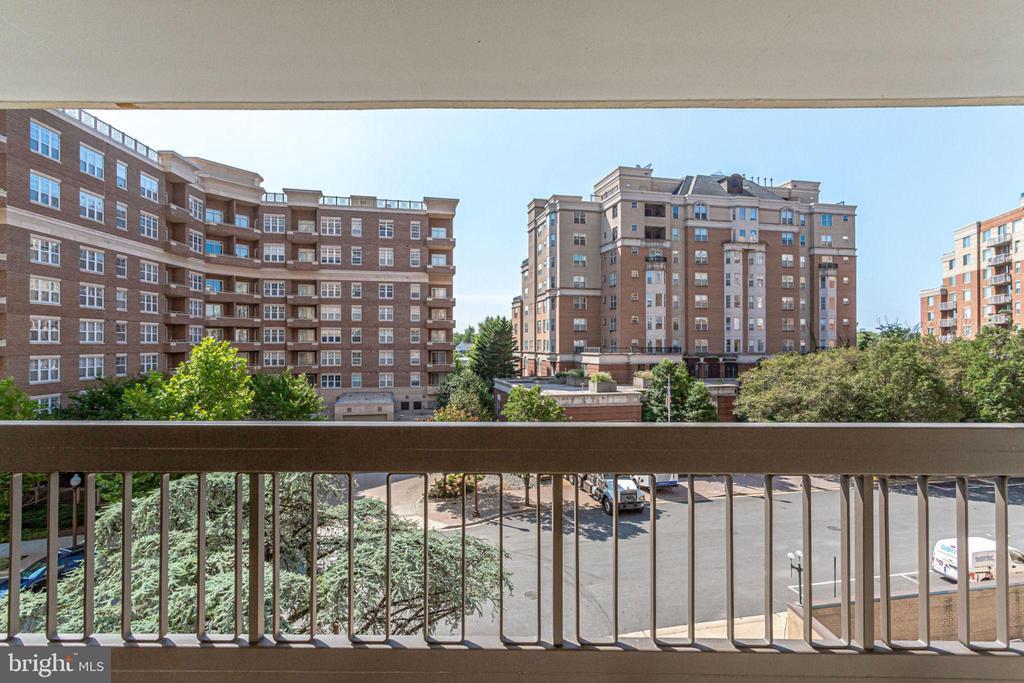 South Facing Balcony - 6'x20' - 3800 FAIRFAX DR #314, ARLINGTON