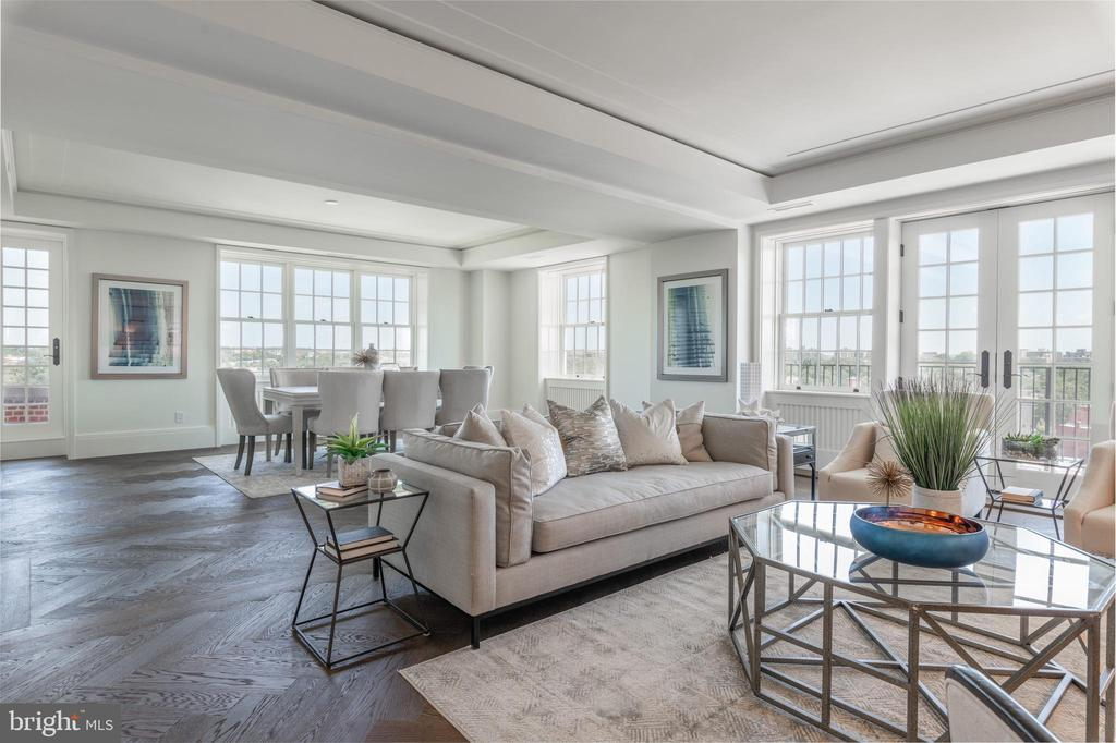 Spacious Living and Dining Areas - 2660 CONNECTICUT AVE NW #4C, WASHINGTON