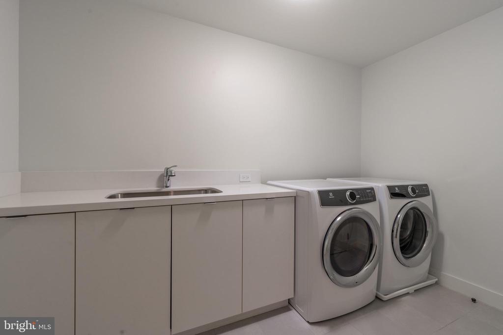 Laundry - 2660 CONNECTICUT AVE NW #4C, WASHINGTON