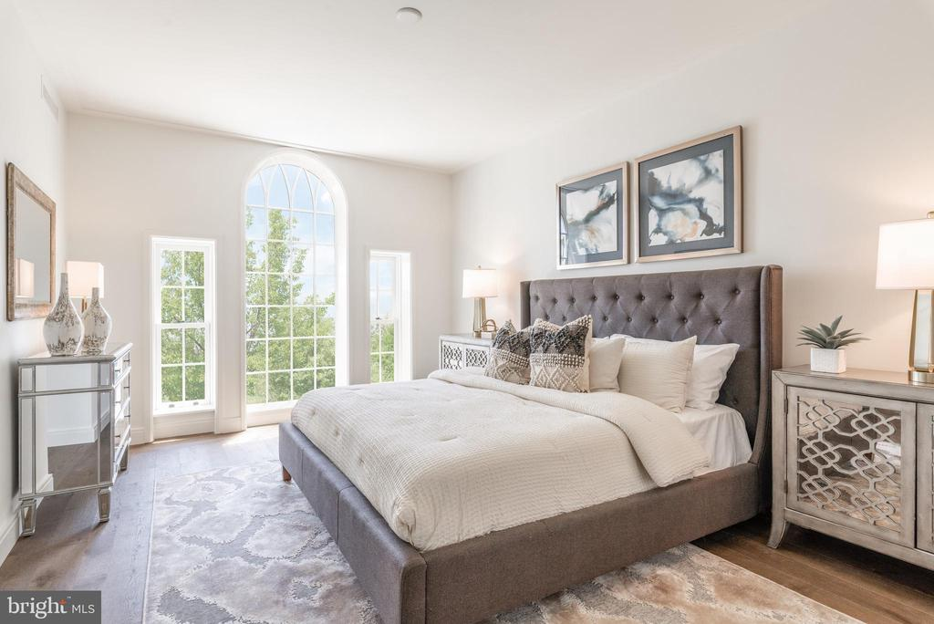 Master Bedroom features Palladian Window - 2660 CONNECTICUT AVE NW #4C, WASHINGTON