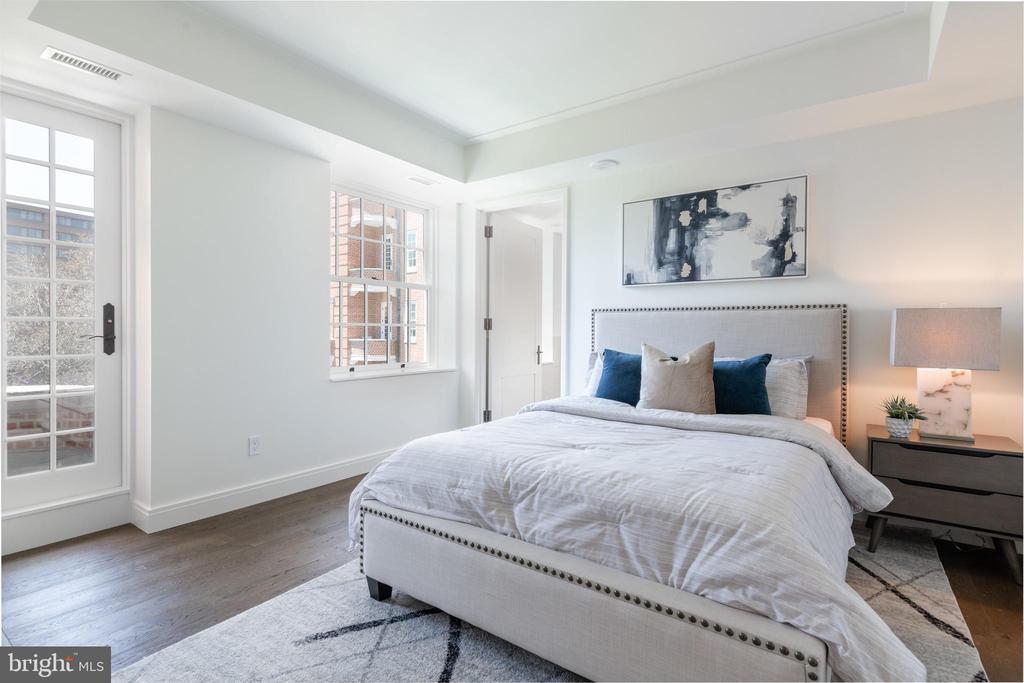 Bedroom Two with En Suite Bathroom - 2660 CONNECTICUT AVE NW #4C, WASHINGTON