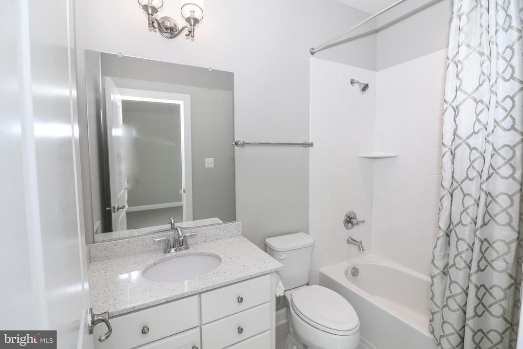 Bathroom #3 - 3420 11TH ST S, ARLINGTON