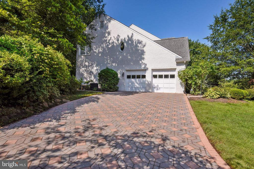 Brick driveway - 5800 MIDHILL ST, BETHESDA