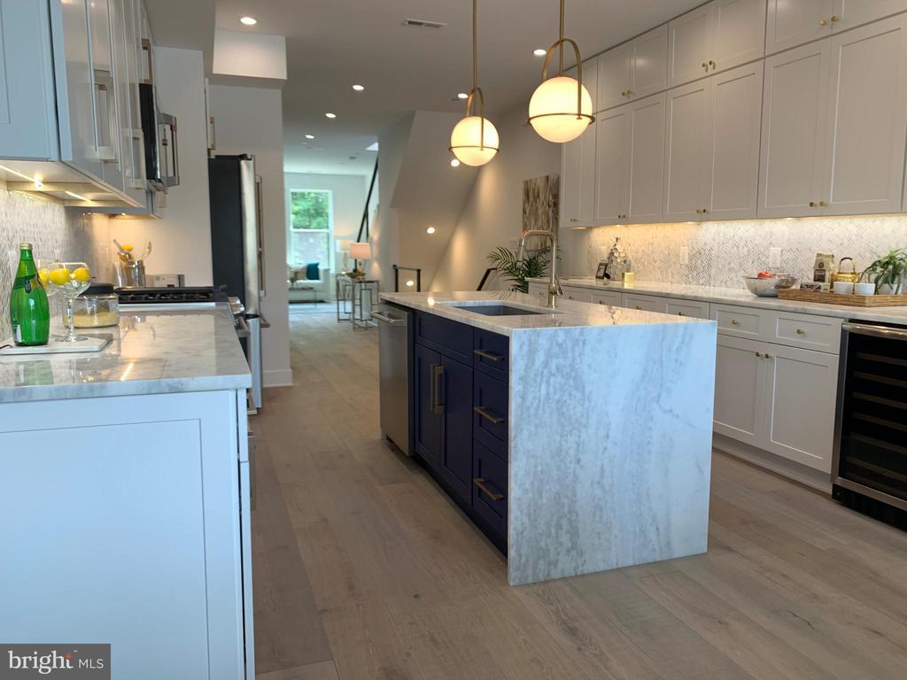 Custom Kitchen w/High End Appliances - 410 K ST NE #2, WASHINGTON