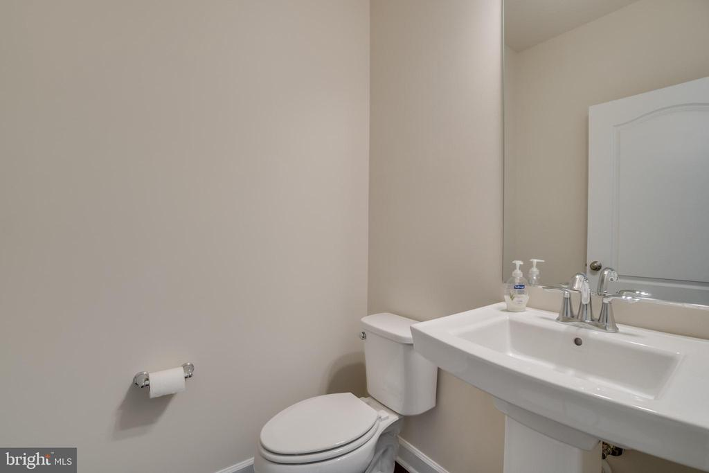 Private Power Room located off Foyer - 23 IRON MASTER DR, STAFFORD
