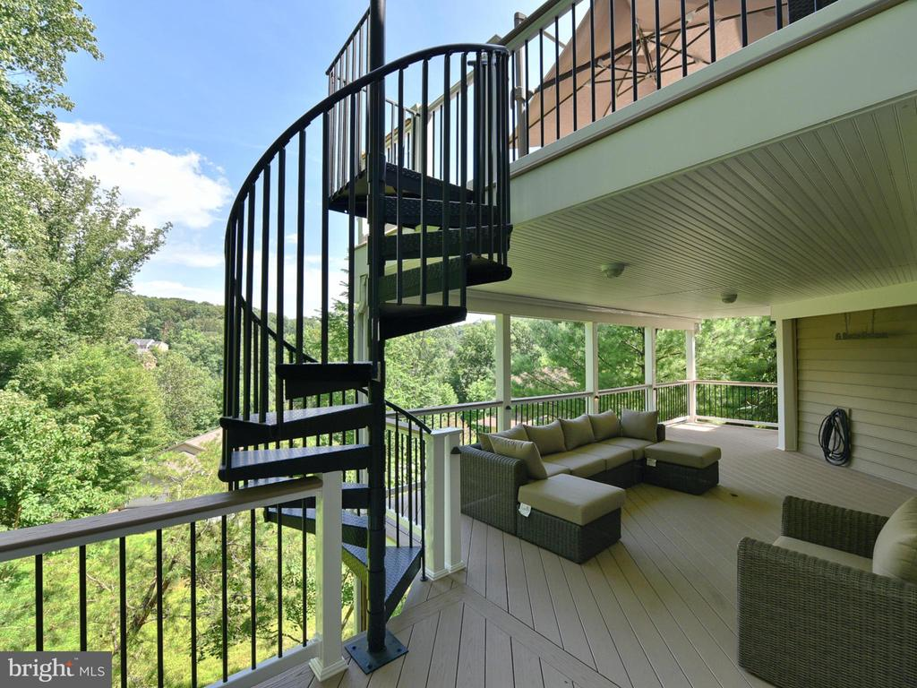 Two-tiered Deck - 9710 WOODFIELD CT, NEW MARKET