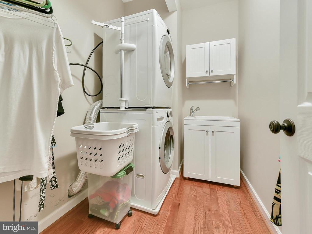 Main Level laundry room - 9710 WOODFIELD CT, NEW MARKET