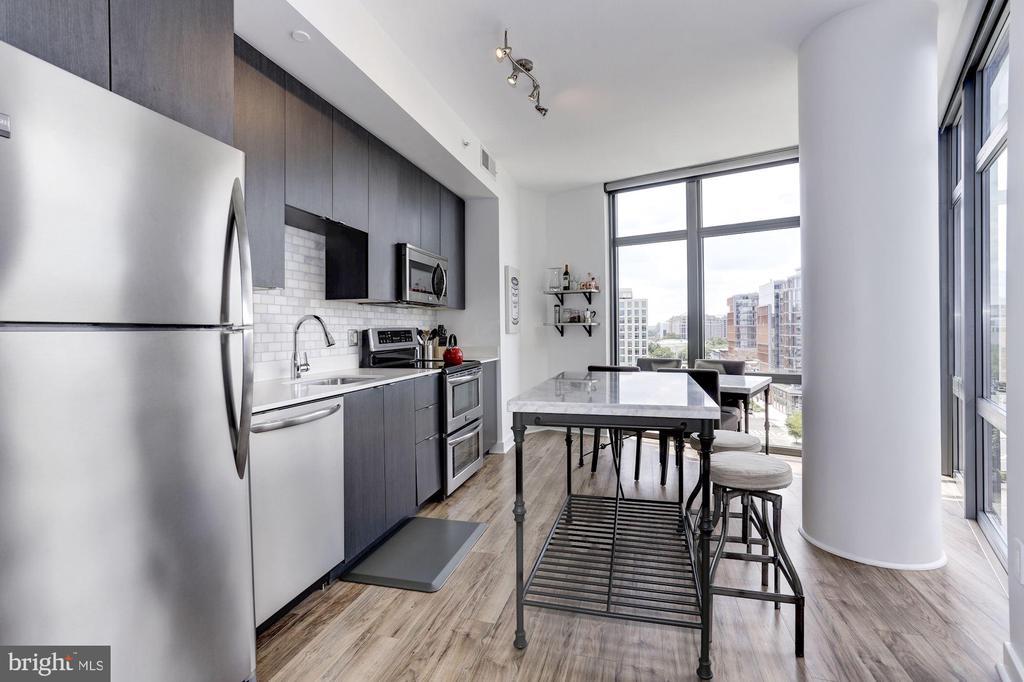 - 460 NEW YORK AVE NW #803, WASHINGTON
