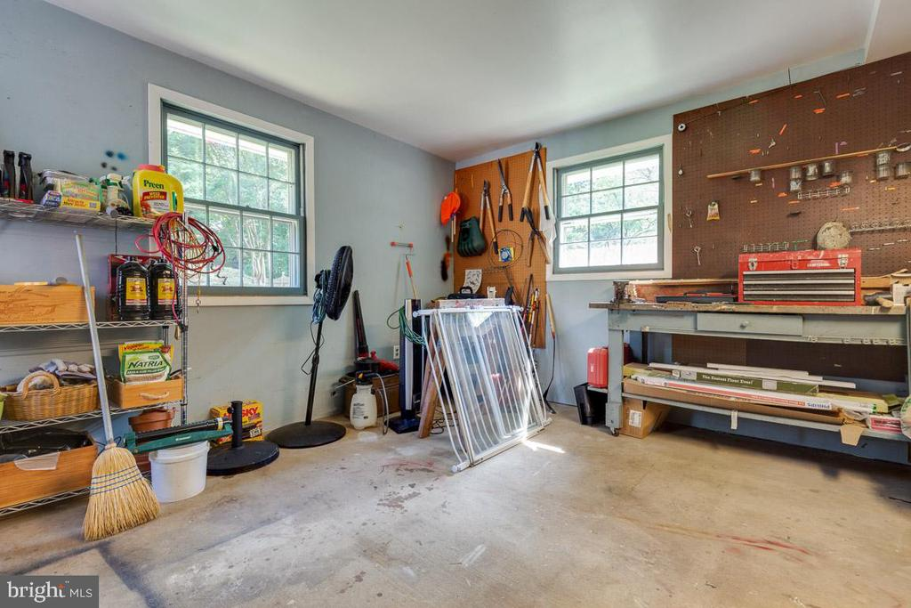 Workshop off garage is perfect for projects. - 9114 MURDOCK RD, FAIRFAX