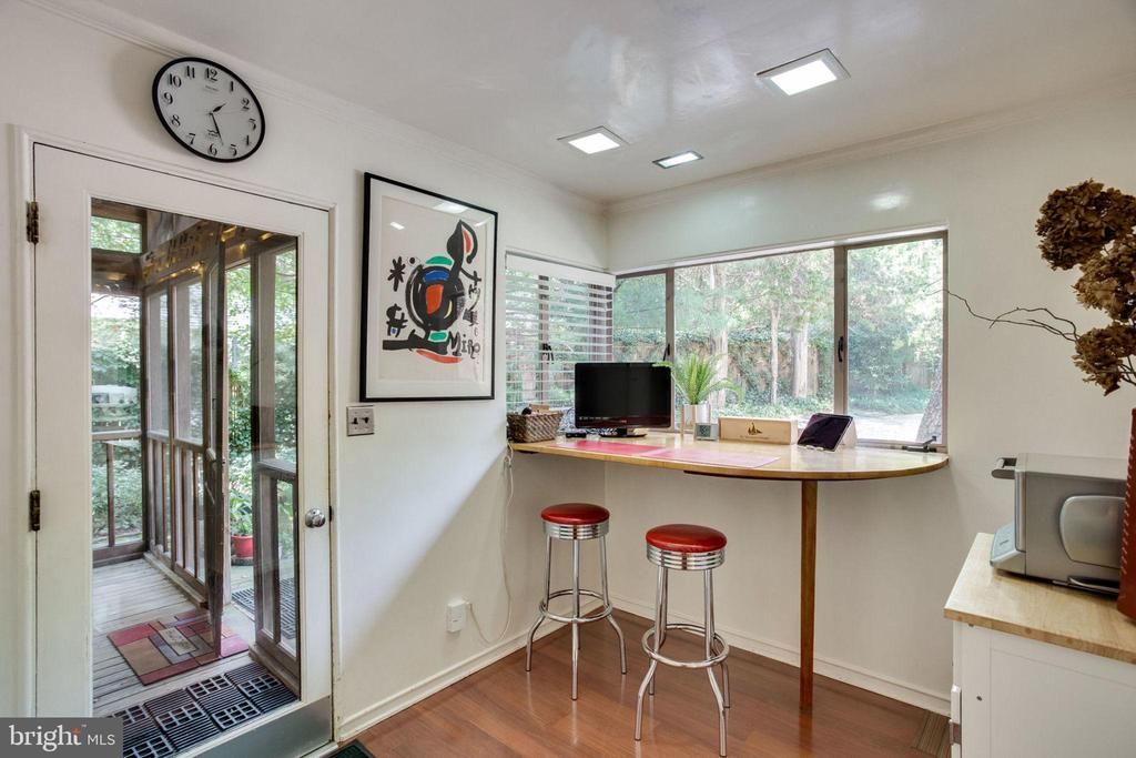 Breakfast Room with door to Screened Porch - 1201 KEY DR, ALEXANDRIA