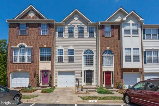 208 CHESTERBROOK CT