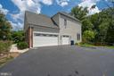 3 car side load garage - 26112 TALAMORE DR, CHANTILLY