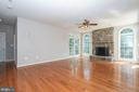 Spacious family room - 26112 TALAMORE DR, CHANTILLY