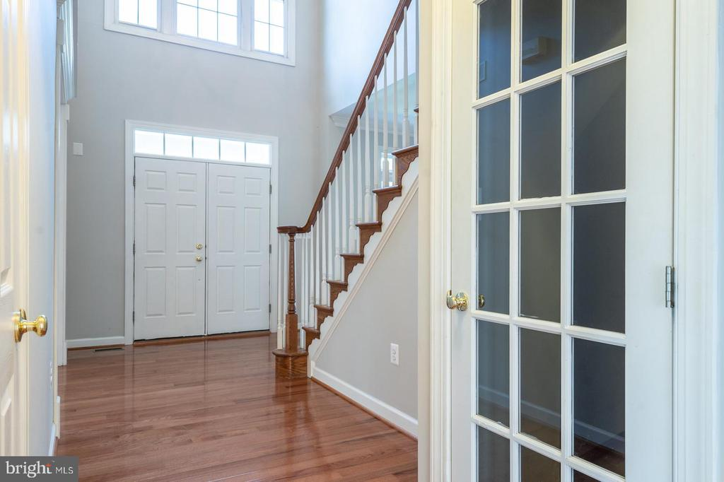 Brand new hardwoods - 26112 TALAMORE DR, CHANTILLY