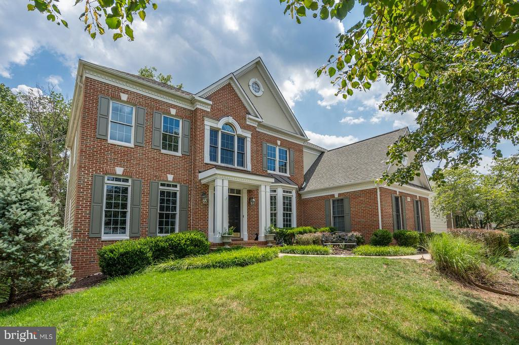 - 26112 TALAMORE DR, CHANTILLY