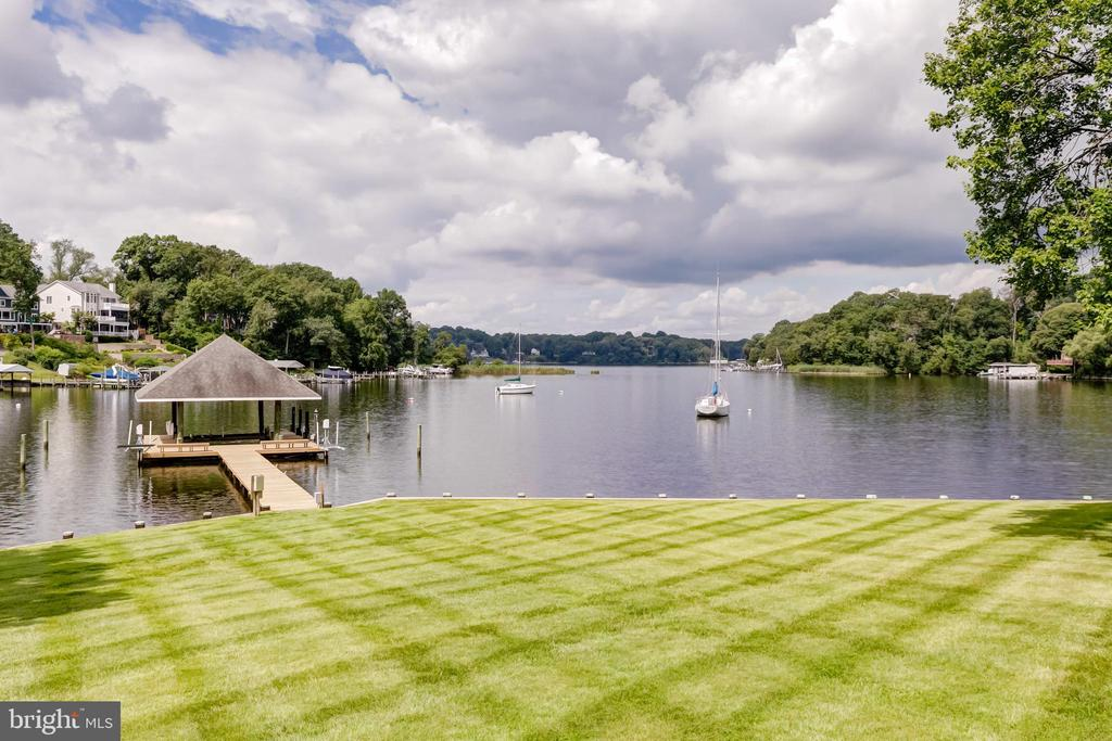 Private dock - 98 POINT SOMERSET LN, SEVERNA PARK