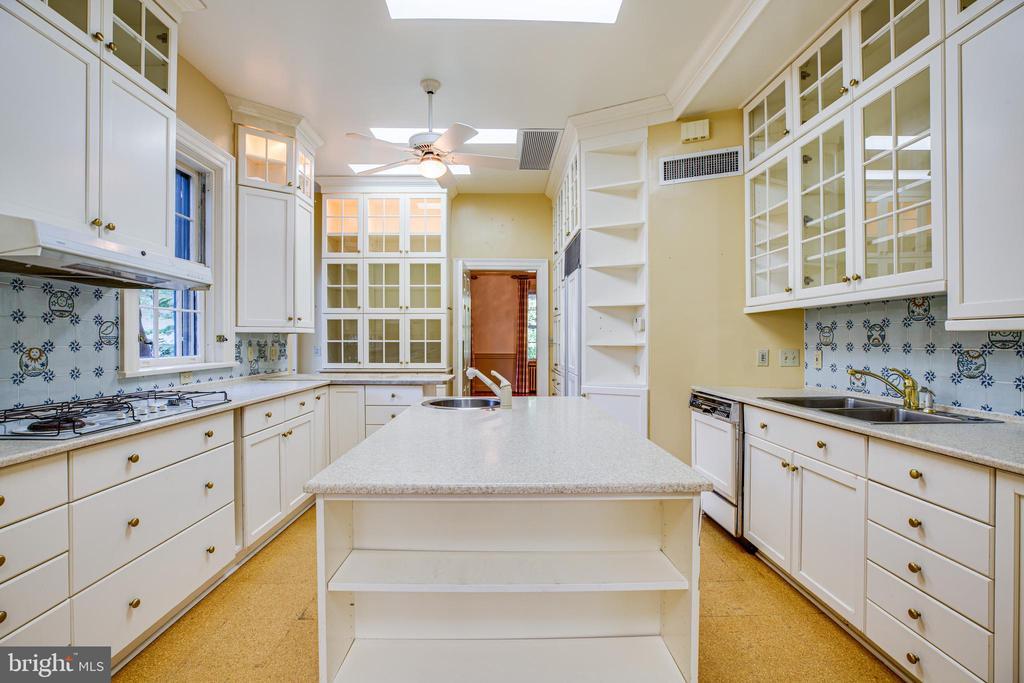 Kitchen - 610 LEWIS ST, FREDERICKSBURG